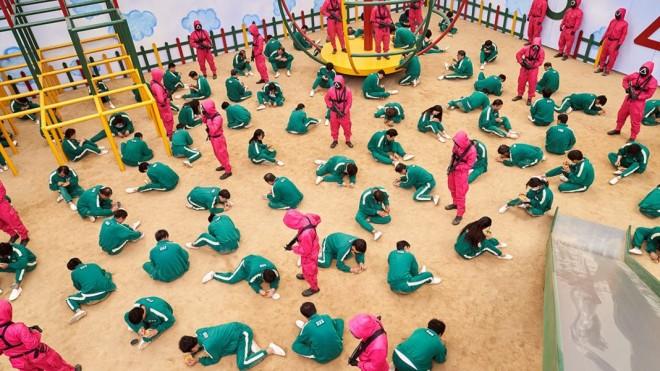 """Cel mai popular serial de pe Netflix stârnește panică printre părinți! """"Squid Game"""", un pericol pentru copii: """"Este extrem de violent"""""""
