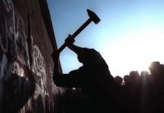 CADEREA ZIDULUI BERLINULUI: 25 de ani de la ziua care a schimbat lumea