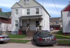 Un copil de 3 ani şi-a împuşcat mortal fratele de 1 an