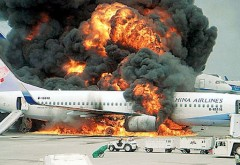 Incendiu la bordul unui avion de pasageri. Piloții au decis aterizarea de urgență