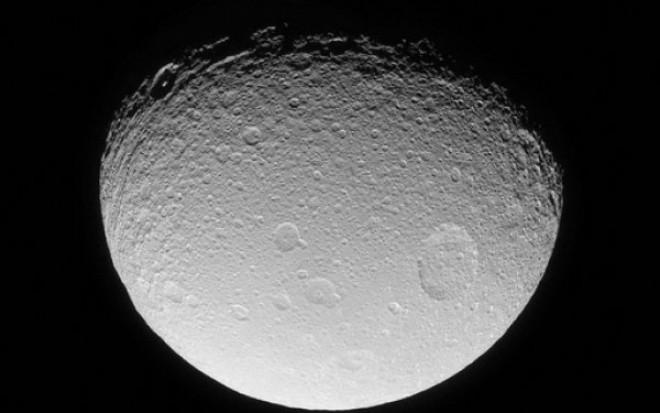 """Doua persoane au platit pentru o calatorie privata de orbitare a Lunii: """"Facem tot ce putem pentru a reduce riscurile"""""""