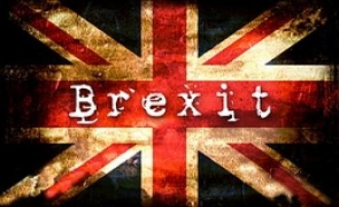 A început EXODUL: Imigranții europeni părăresc Marea Britanie