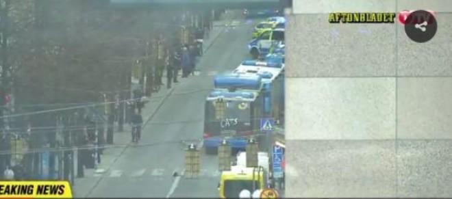 BREAKING NEWS Un camion a intrat în mulțime la Stockholm. Un suspect a fost ARESTAT/ UPDATE VIDEO