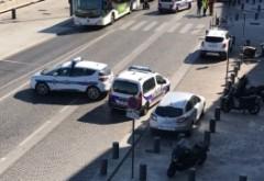 PANICĂ în Franța: O mașină a intrat în două stații de autobuz, la Marseille! Mai multe victime - FOTO