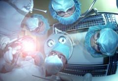 Premieră în lumea medicală: medicii au făcut două transplanturi de față la același pacient