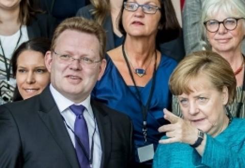 SONDAJ DEZASTRUOS pentru Angela Merkel: populația îi cere DEMISIA