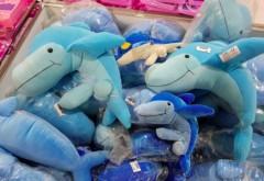 Jucarii delfin cu organe sexuale, de vanzare in magazine. Ce reactie au avut clientii care au dat cu ochii de ele