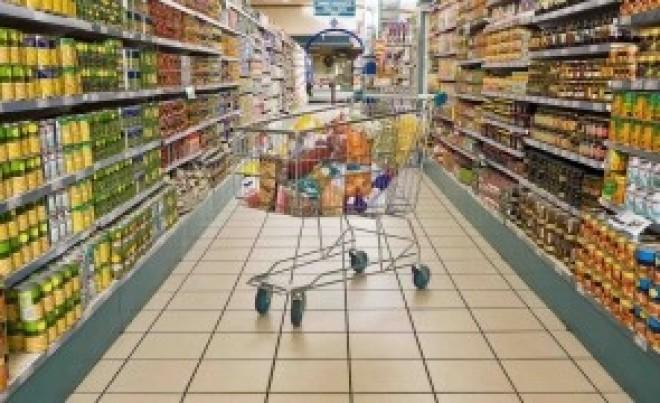Preţuri egale, venituri mai mici: Românii - cetăţenii UE care dau cei mai mulţi bani pe mâncare