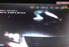 VIDEO Jaf SPECTACULOS la 100 km/h : Șapte bărbați au furat bunuri de 50.000 de euro dintr-un TIR, in mers!