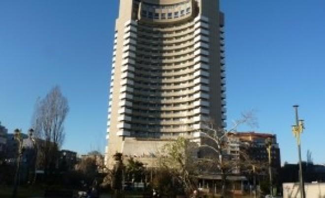 ALERTĂ în Capitală: Sinucidere la Hotelul Intercontinental