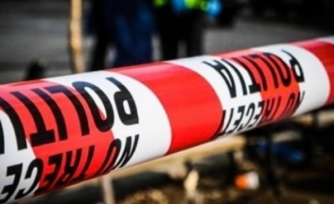 Deces suspect în București : O femeie a fost găsită moartă de forțele care interveneau la un incendiu - Soțul victimei a fost IMOBILIZAT și dus la poliție