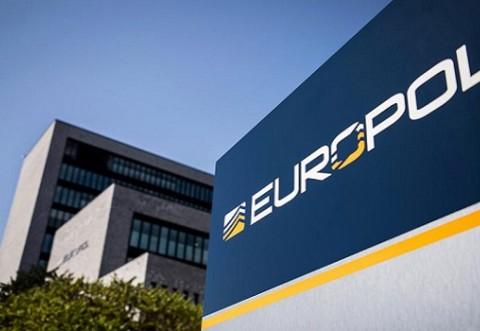 Operațiune MONSTRU a Europol - 450 de polițiști au DESTRUCTURAT o rețea de infractori deosebit de periculoși
