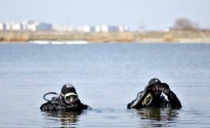 VIDEO Un bărbat s-a înecat în Lacul Tei din București. Scafandrii au intrat să-l caute/ UPDATE