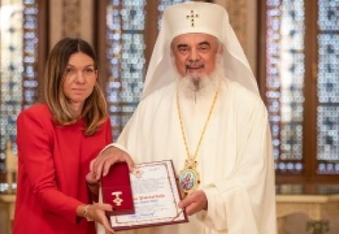 FABULOS Cum s-a dus îmbrăcată Simona Halep la întâlnirea cu Patriarhul Daniel, pentru a primi Crucea Patriarhală