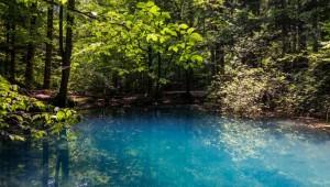 Lacul de basm din România care alungă depresia