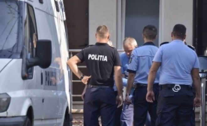BOMBĂ în cazul monstrului de la Caracal: Numărul de telefon al polițistului care l-a convins să recunoască era în agenda criminalului