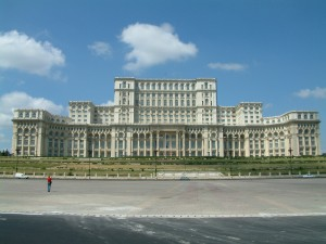 Cât valorează cea mai mare clădire administrativă din lume - Palatul Parlamentului