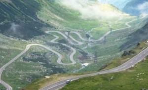 Transfăgărășanul a ajuns în National Geografic - Este enumerat printre cele mai spectaculoase drumuri din lume