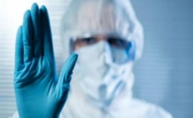 Cadrele medicale cad pe CAPETE: Alți 3 medici sunt infectați cu noul CORONAVIRUS