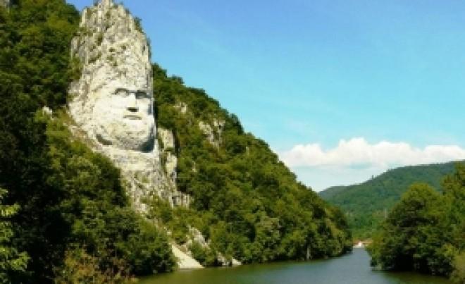 Hidrologii avertizează: Dunărea se apropie de pragul de SECARE
