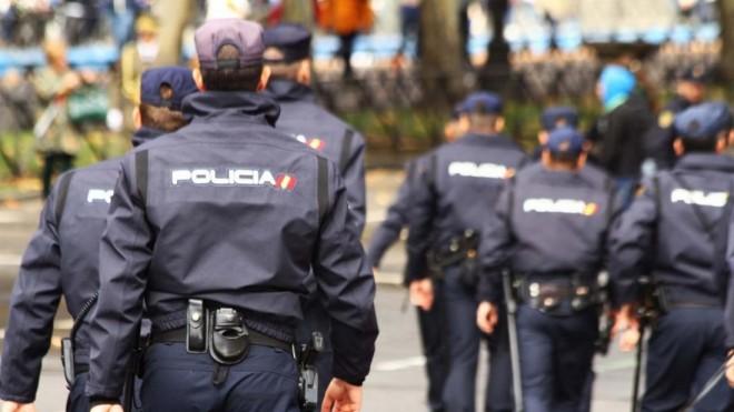 11 români din Spania, arestați pentru trafic cu muncitori agricoli