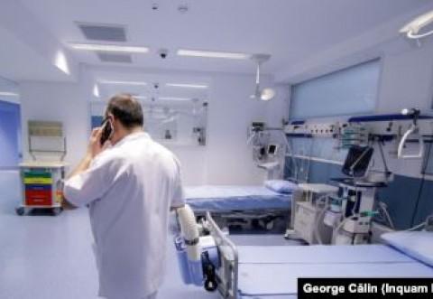 """Pacienții cu Covid-19 se externează pe bandă rulantă. Medic: """"Oamenii nu respectă regulile"""""""
