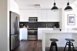 9 întrebări la care trebuie să răspunzi înainte să cumperi un apartament