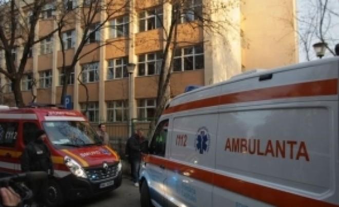 ULUITOR - Ambulanța a 'uitat' de un polițist și familia sa, toți infectați cu noul coronavirus: au venit după 2 zile