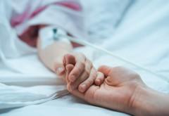 Primul copil bolnav de COVID-19, internat în stare gravă la ATI, în București