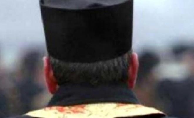 Gest şocant al unui preot - A fost prins în flagrant, în Bucureşti, când întreţinea relaţii intime cu un minor