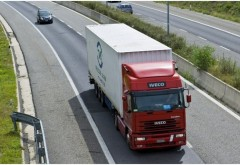 Protest inedit al transportatorilor, vineri: TIR-urile vor circula cu viteză redusă pe cele mai importante artere de trafic din ţară