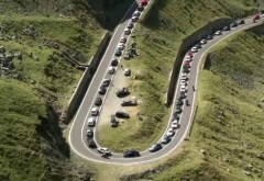 Cel mai frumos drum din Romania, sufocat de gunoaie