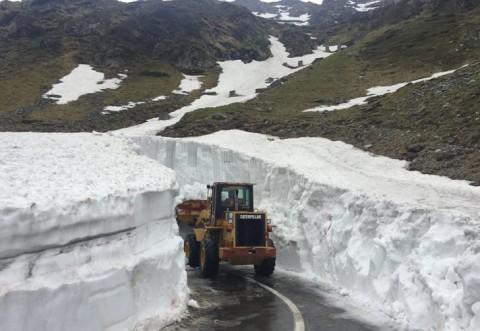 Șoseaua din România unde zăpada depășește, ACUM, 5 metri înălțime