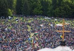 100 de tradiții de Rusalii. Ca în fiecare an, la Şumuleu Ciuc, se adună zeci de mii de credincioși. De ce localitatea din Harghita devine o Mecca a României?