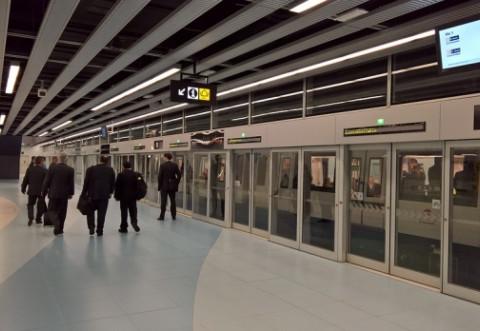 Val de semnături pentru instalarea panourilor de protecție în stațiile de metrou