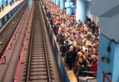 Metrorex spune de ce trenurile nu pot circula cu viteze mai mic când intră pe peron: Ce s-ar întâmpla într-o astfel de situație