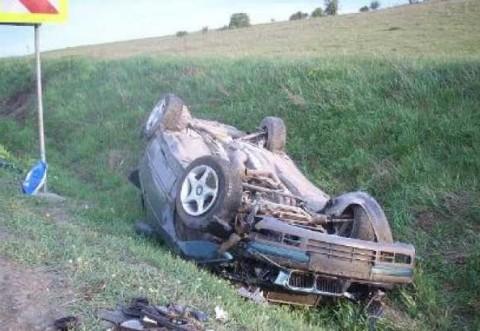 Accident pe DN1B, aproape de intrarea in Buzau. O persoana a ramas incarcerata