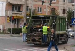 Accident in Ploiesti, pe str. Basarabi. Un angajat de la salubritate a fost lovit de un sofer neatent
