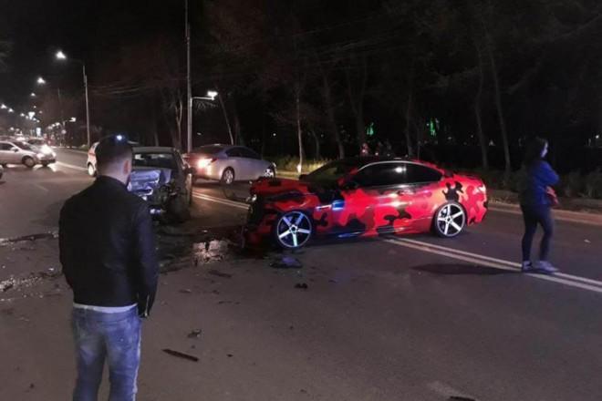 Două accidente, în Prahova, duminică seara. Motociclist rănit la Loloiasca și două mașini făcute praf pe Centura de Vest