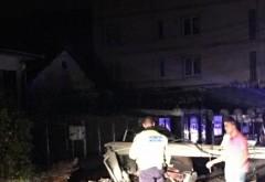 Accident pe strada Valeni, sambata seara. Un sofer a rupt un stalp si a fugit!