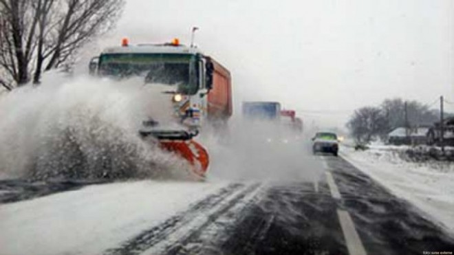Deszapezire in Prahova. Vezi cum se circula acum pe drumurile din judet si unde ninge