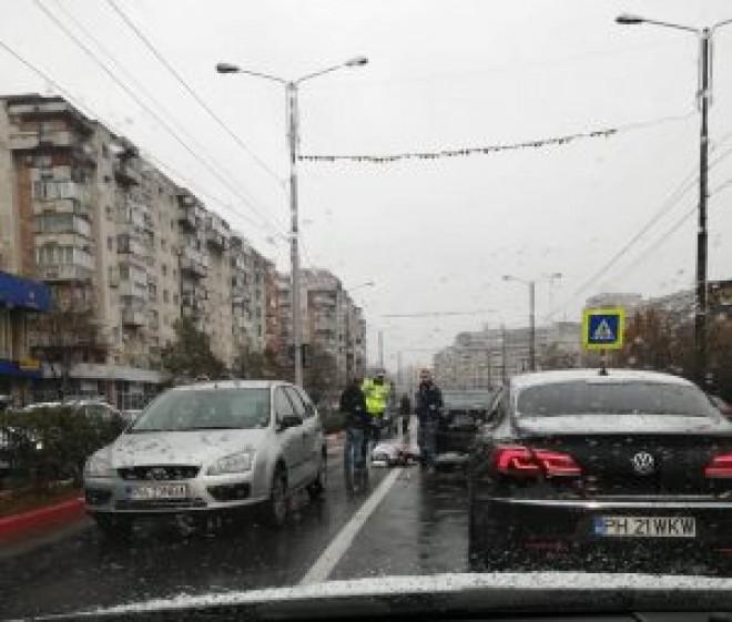Femeie lovită în timp ce traversa strada pe la trecerea pentru pietoni