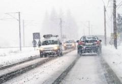Restrictie de trafic pe DN1A, zona Cheia-Maneciu. Ninge viscolit, zapada de 10 cm pe carosabil