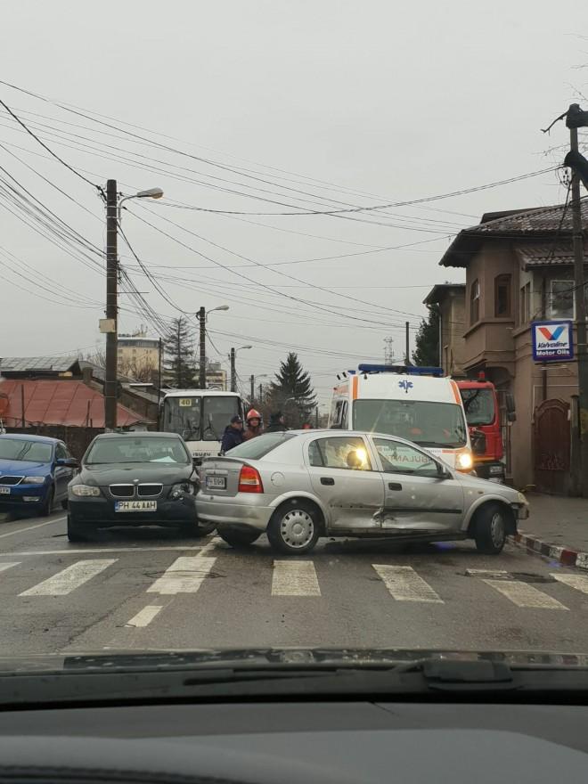 Accident in Ploiesti. Trei masini s-au lovit pe strada Postei