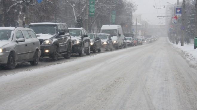 Haos pe DN1 înainte de sărbătorile de iarnă. Vezi cum se circula pe Valea Prahovei