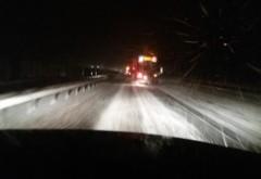 Continua sa ninga in Prahova. Unde este zapada pe carosabil si cum se circula