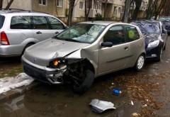 Accident in Ploiesti, pe strada Rahovei. Un sofer a lovit 4 masini parcate