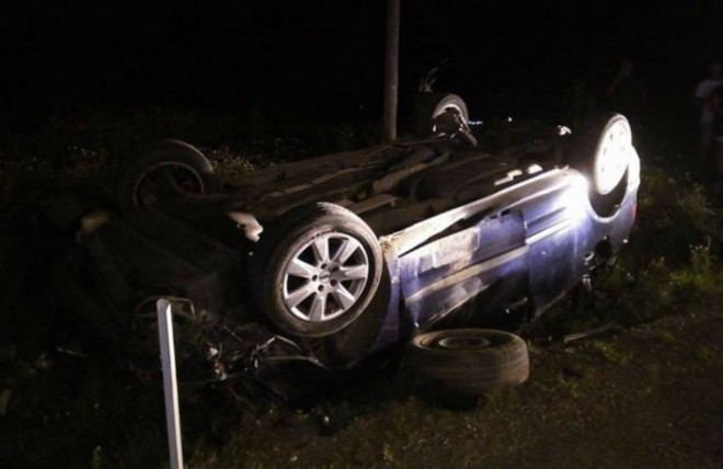 Accident la Gura Vitioarei, duminica noapte. Trei tineri se zbat intre viata si moarte