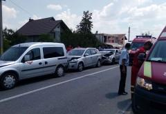 Accident la Barcanesti. 4 masini implicate, un copil a fost ranit la clavicula din cauza centurii