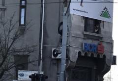 Accident cu trei masini in centrul Ploiestiului, in intersectia de la Hotel Central/ GALERIE FOTO